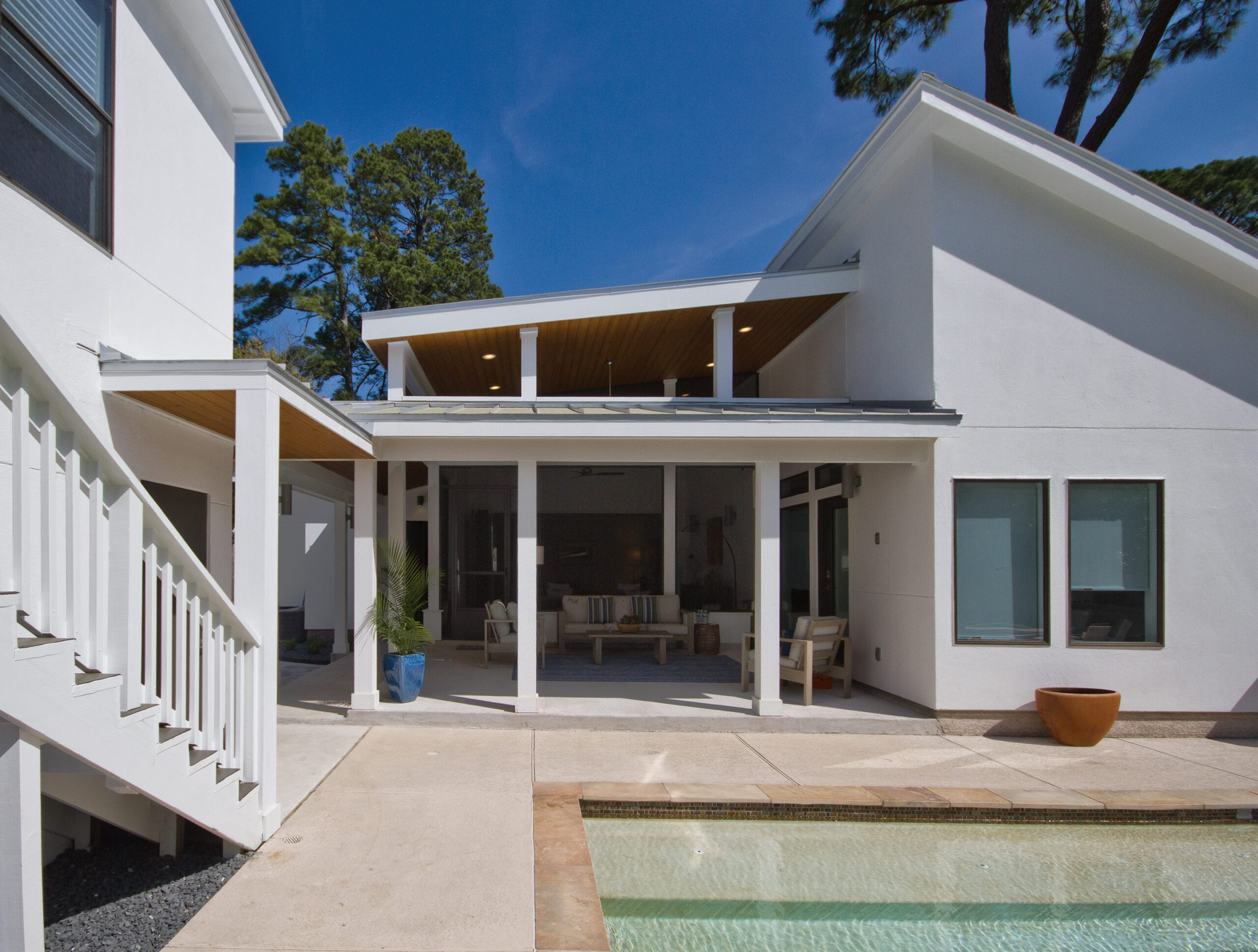 OutdoorPorch_Pool_IMG_1960